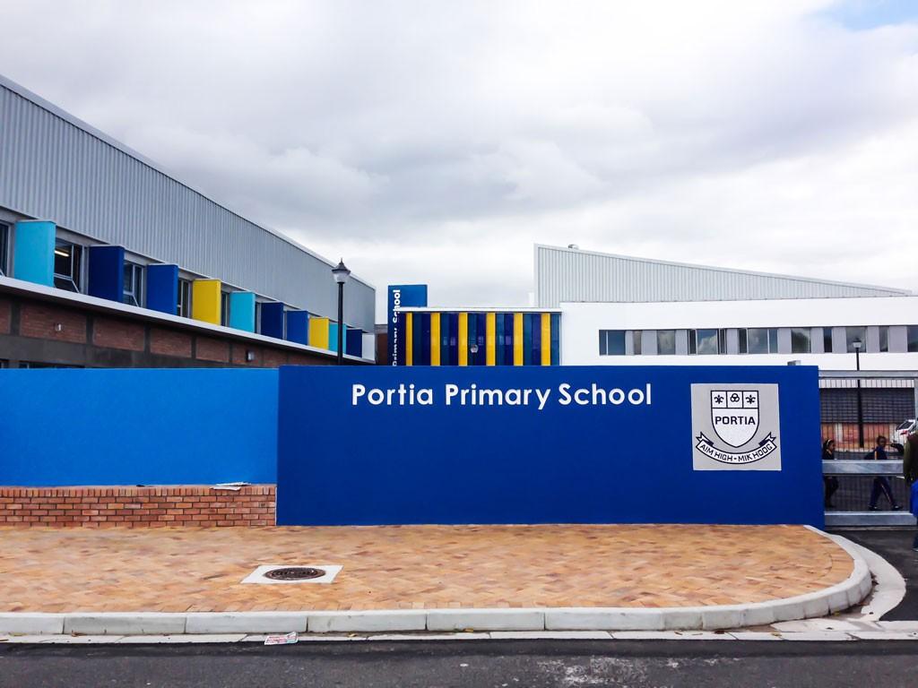 Portia primary school landsdowne meyer associatesmeyer associates - Vissershok primary school shipping container classroom ...